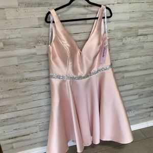 Blush homecoming cocktail dress